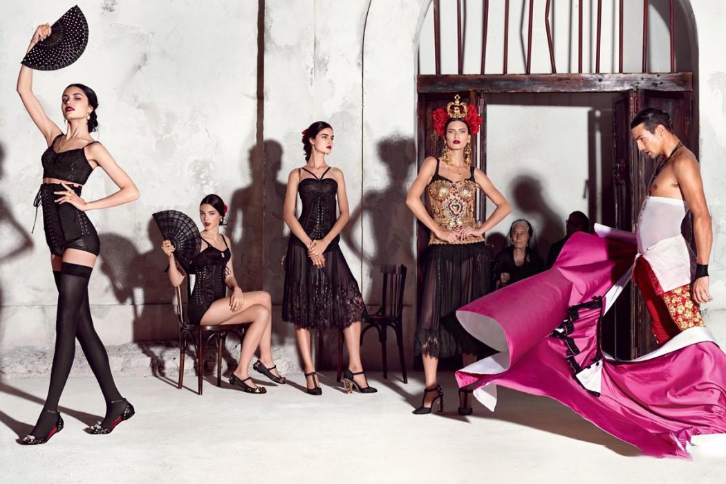 Dolce-Gabbana-Spring-Summer-2015-Womenswear-02-1050x700-1