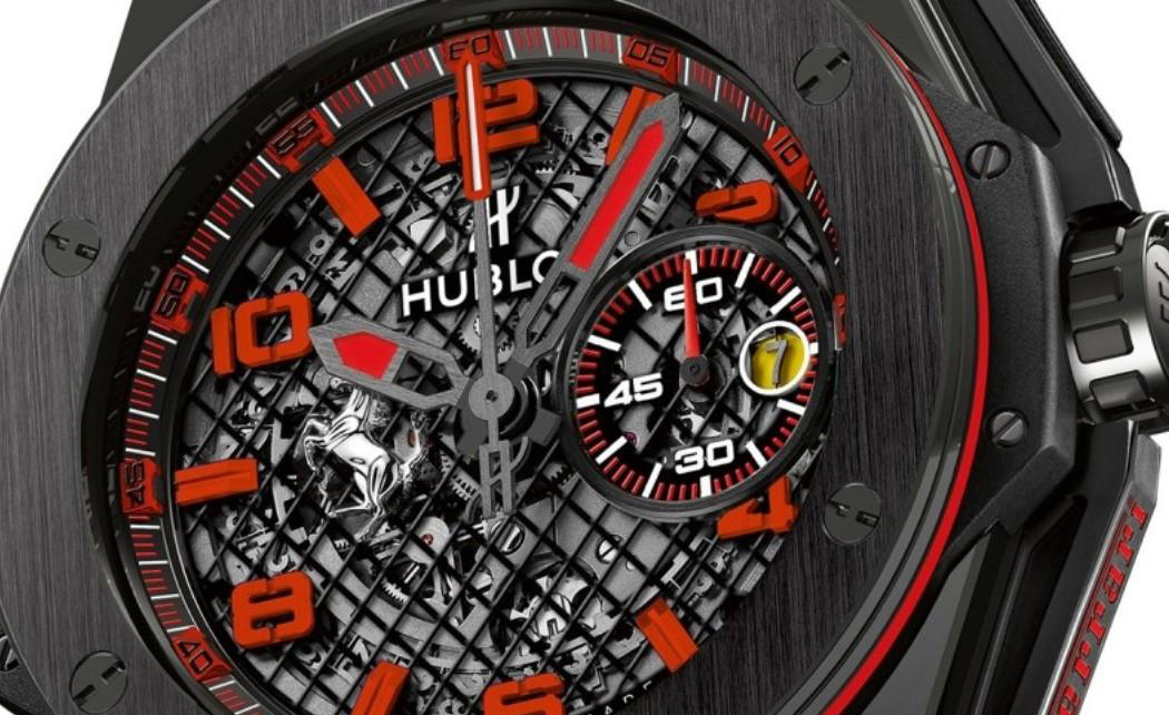 Hublot-Big-Bang-Ferrari-Black-Ceramic-2015-with-racing-strap-Perpetuelle-900x522-1050x696